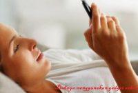 Bahaya menggunakan gadget sebelum tidur